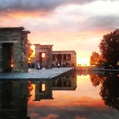Photo taken at sunset at Templo de Debod.